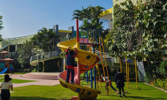 Post Image 5 Things Parents Should Know Before a Trip to the Playground Be Conscious of the Surroundings - 5 Things Parents Should Know Before a Trip to the Playground