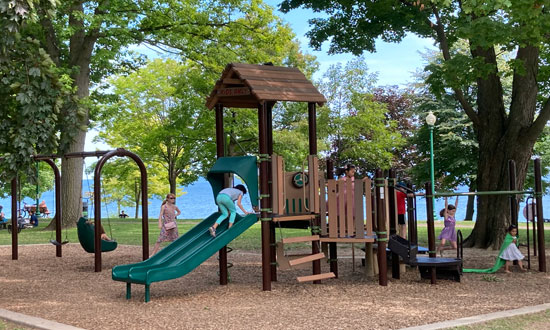 Post Image 5 Things Parents Should Know Before a Trip to the Playground The Need to Supervise the Children - 5 Things Parents Should Know Before a Trip to the Playground