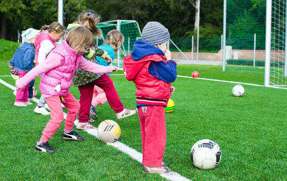 Post Image Top 3 Benefits of Outdoor Play for Children Boost Kids Health - Top 3 Benefits of Outdoor Play for Children